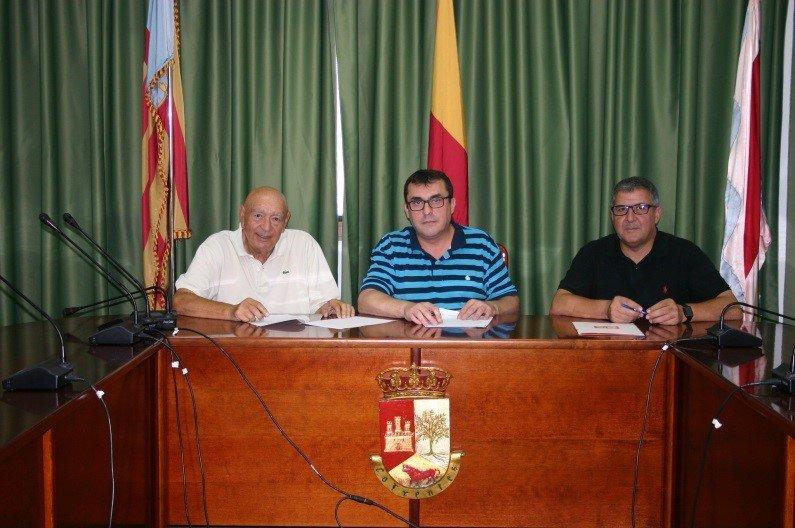 Firmado la renovación del convenio del Ayuntamiento de Cofrentes con AESFA